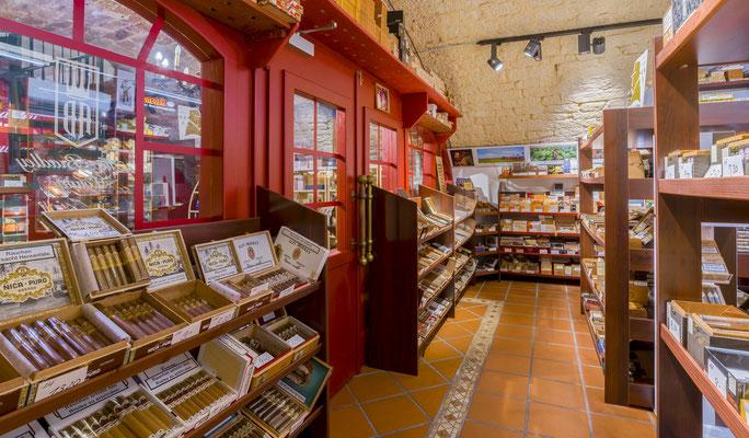 Tabakhaus Falkum - Miltenberg. Der XXL-Humidor für optimal gelagerte Zigarren.