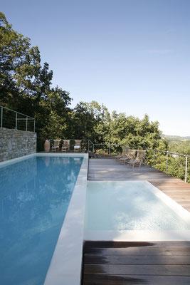 Infinity-Pool 16 x 3 Meter und Kinderbecken 2 x 3 Meter