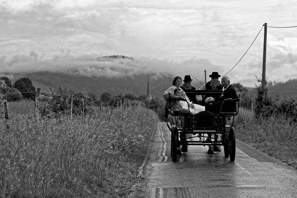 Mariage AS&B - En route vers la mairie en calèche ! - Flangebouche - Doubs