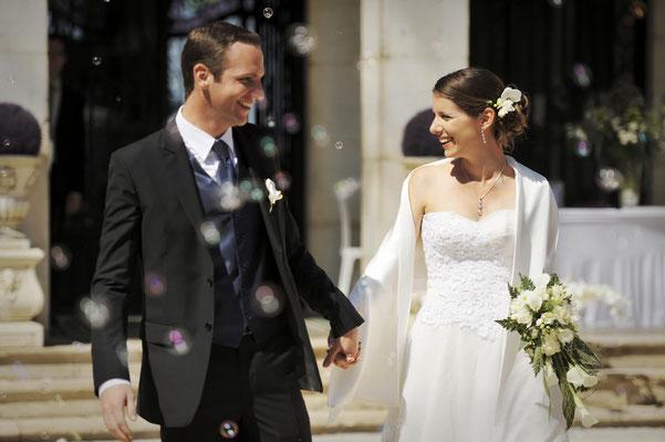 Mariage L&O - Photo de couple - Chateau de Clairvans - Chamblay - Jura