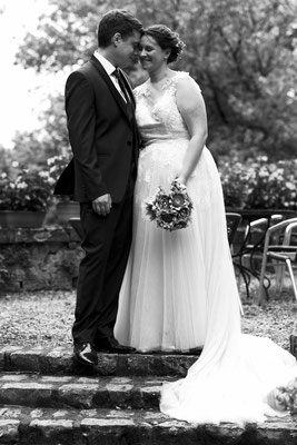 Mariage ME&J - Photo de couple - Chateau de roche sur linotte - Haute-Saône