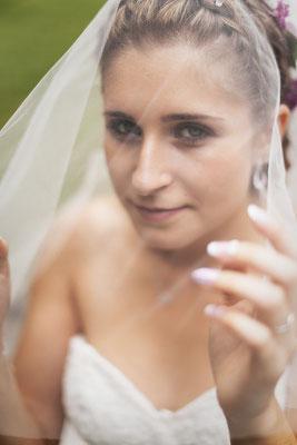Mariage A&Q - La mariée - Hermitage de Saint-Valbert - Haute-Saône