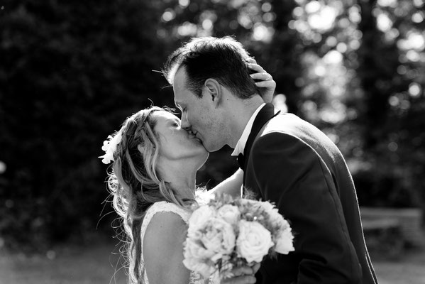 Mariage A&B - Photo de couple - Chateau de Clairvans - Chamblay - Jura