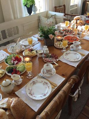 """""""Buffet am Tisch"""", nur Do & Fr auf Vorbestellung ab 4 Personen"""