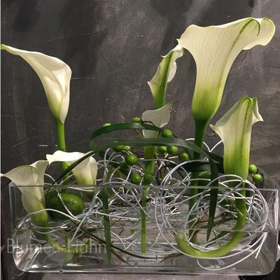Raum Und Tischdekoration Blumen Hahn