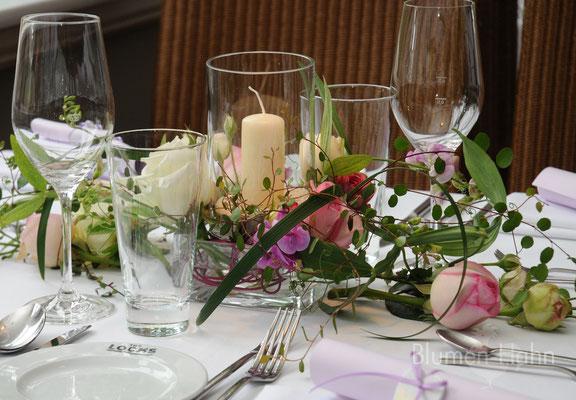 Tischdekoration mit Windlicht