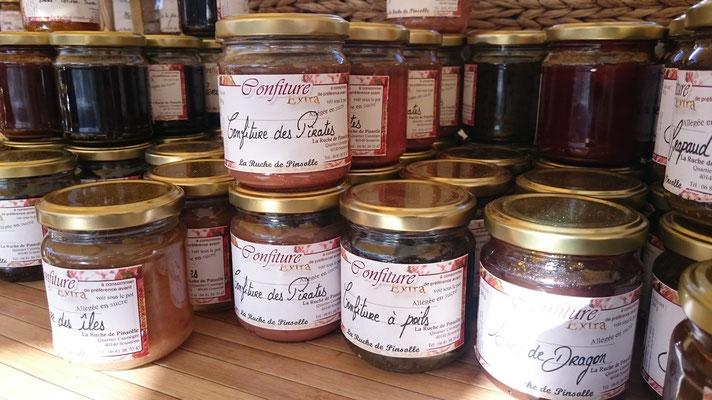 ©La Ruche de Pinsolle / Pots de confitures maison / Marché de Vieux-Boucau 2015 / www.laruchedepinsolle.com