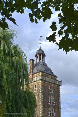 Turm vom Wasserschloss Rapsfeld