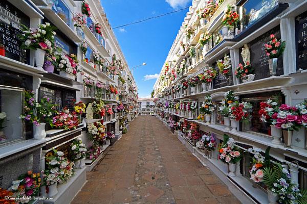 Comares; Der Friedhof