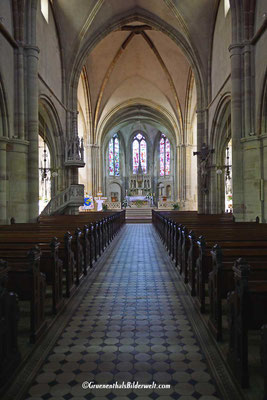 Altar der seit 1930 unter Denkmalschutz stehenden Stiftskirche