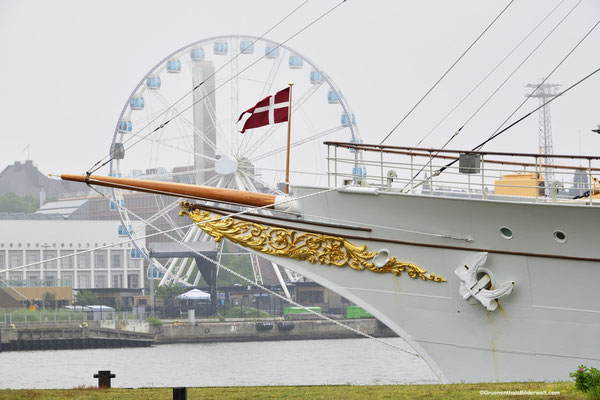 Dänische Königsyacht Dannebrog; Riesenrad SkyWheel Helsinki