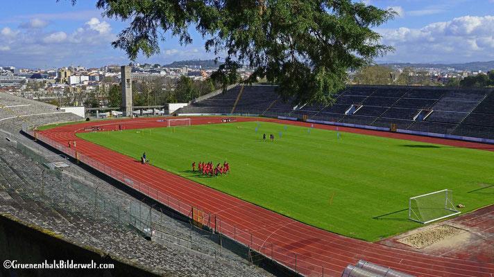 Das Fußballstadion Estádio Municipal de Braga des Fußballclubs Sporting Braga, in dem zwei Spiele der Fußball-Europameisterschaft 2004 stattfanden.