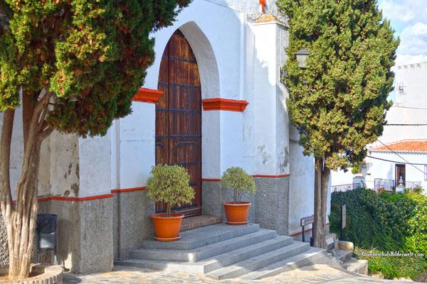 Comares; Pforte der Iglesia de la Encarnación