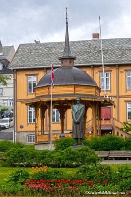 König Haakon Statue