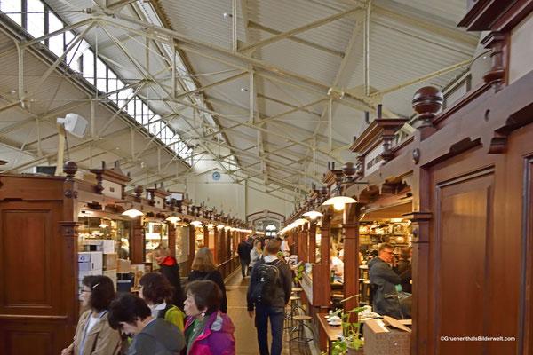 """ Vanha kauppahalli"" Markt und Kaufhalle"