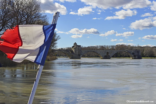 Vorbei am Pont d'Avignon in Richtung Campingplatz