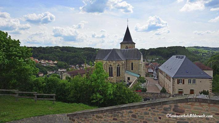 Blick zur Stiftskirche und zum ehemaligen Recollecten-Kloster