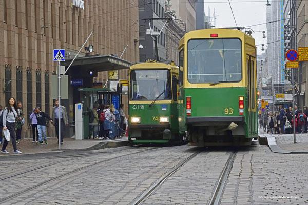 Straßenbahn; Haltestelle Senaatintori