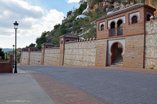 Comares; Stadtmauer