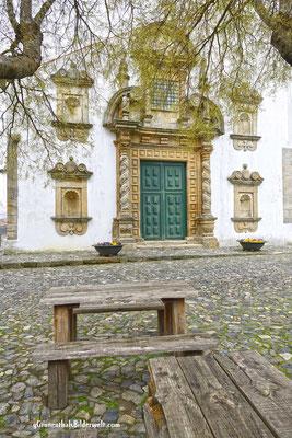 Die Pforte der Burgkirche