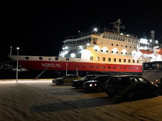 """Kurz vor Mitternacht legte die """"Nordlys"""" in Tromsø an"""