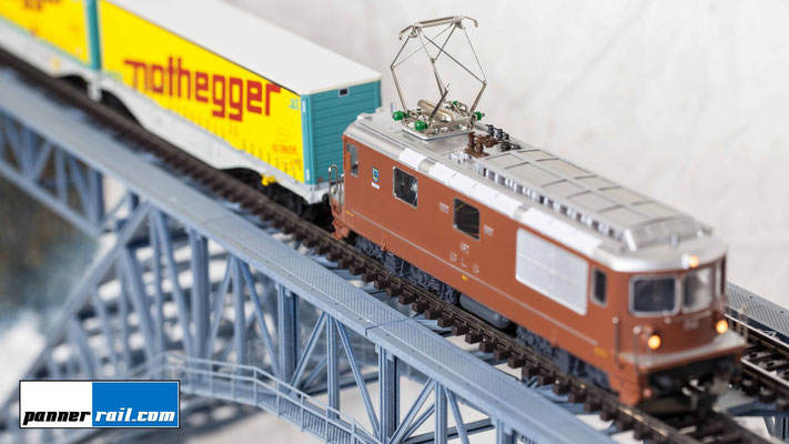 "Jinbei EF-60 LED: Modelleisenbahn Hag BLS Re 4/4 ""Court"""