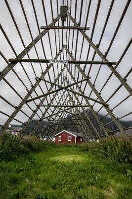 """Holzgestelle """"stokk"""" (norw.) zum Trocken des Stockfischs im Winter"""