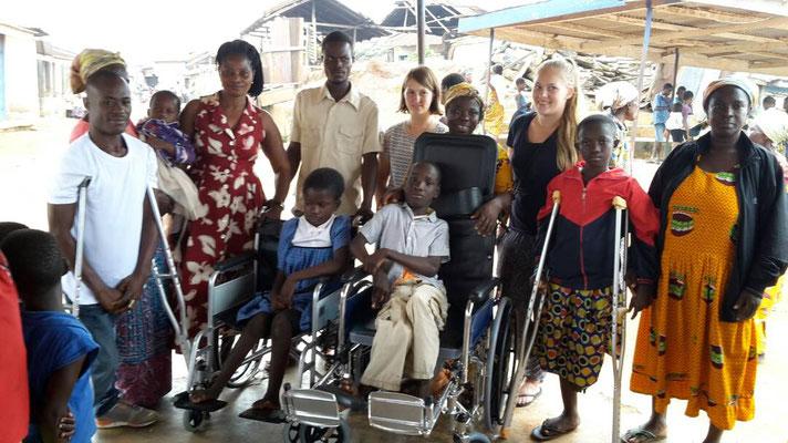 Gehhilfen und Rollstühle für Bedürftige aus Pepease