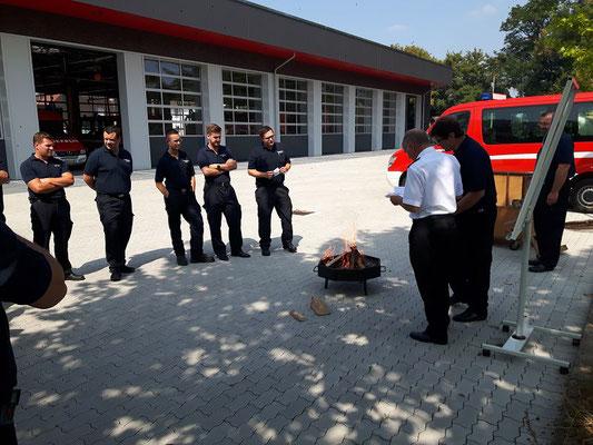Auch eine Ausbildung direkt am Feuer kann Sinn machen.
