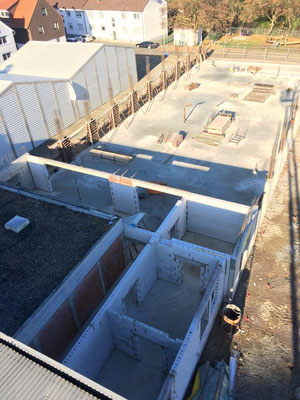 Ein Blick von oben zeigt den aktuellen Baufortschritt.