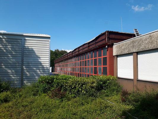 Die Fahrzeughalle aus der Sicht der FEZ.