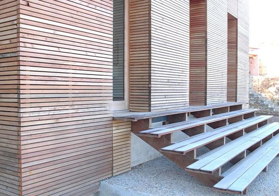 escalier en bois tek