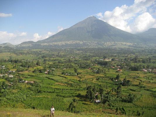 Muhabura vulcano mountain. 4127m