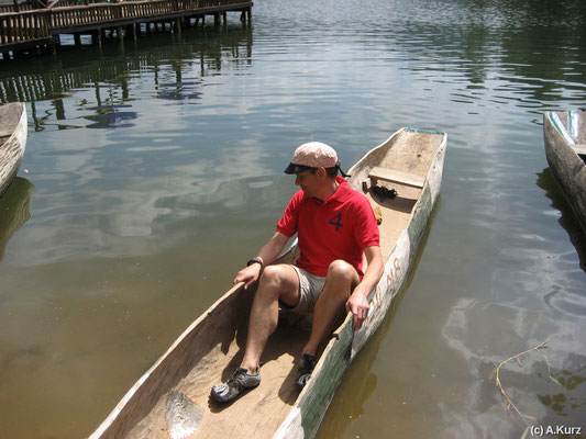 Wackeliges Einbaum - Woobly dugout canoe