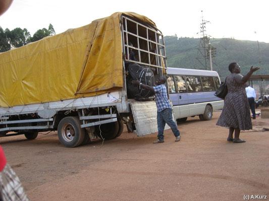 Der Laster wurde beschlagnahmt  von der Grenzpolizei - The truck was confiscated by the boarder police
