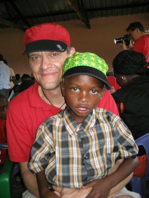 Abel und Andreas, beide mit Chaskee-Mütze