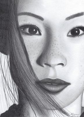 Lucy Liu  270.-€