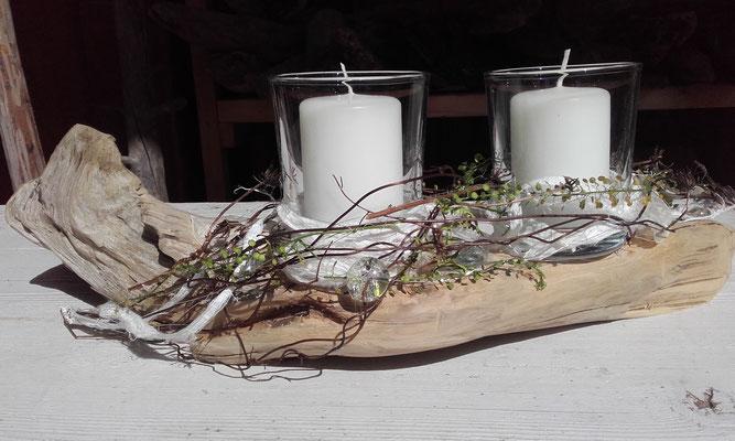 Tischdeko mit Kerzengläsern