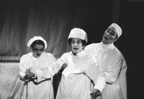"With M. Marceau und Elena Serra in ""Le Chapeau Melon"""