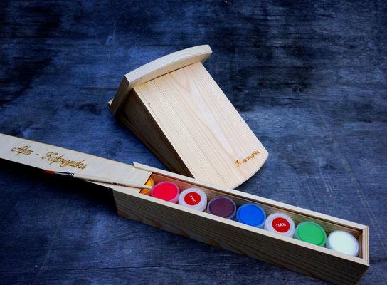 Подарочный набор для росписи с красками.