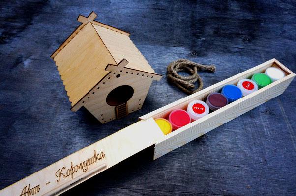 Кормушка для росписи в наборе с акриловыми красками и кистью