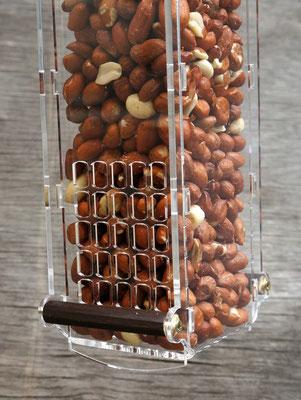 Дозатор арахисовой кормушки для птиц