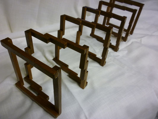 4-eckige Holzfeder