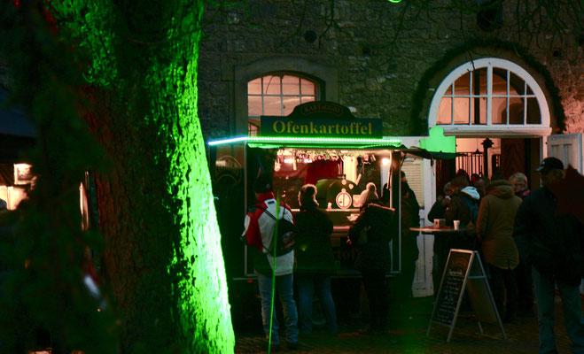 Schloss Oelber Christkindlmarkt - Illumination