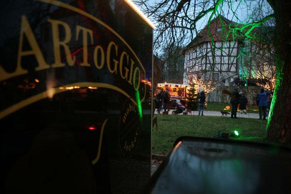 Schloss Oelber Christkindlmarkt - idyllischer kann ein Weihnachtsmarkt kaum sein