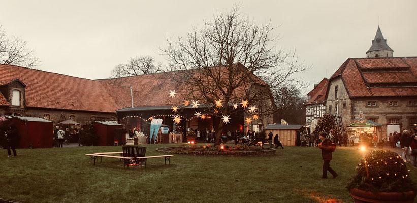 Schloss Oelber Christkindlmarkt - die Vorbereitungen auf einen stimmungsvollen Adventsspaziergang