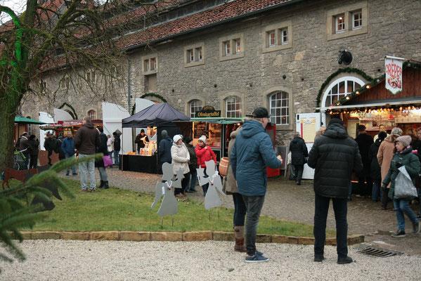 Schloss Oelber Christkindlmarkt mit dem heißen Genuss von KARToGGIO®