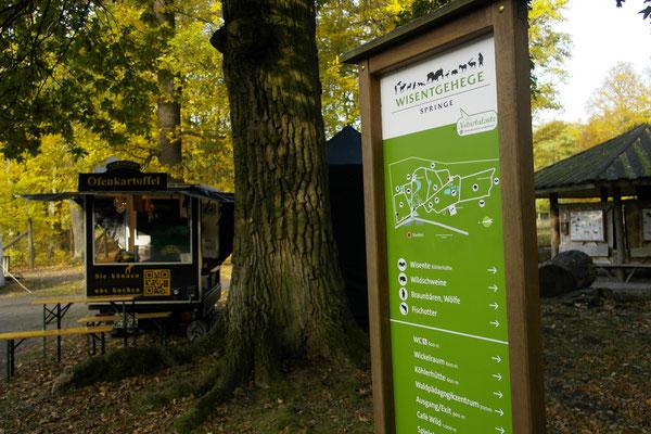 Ofenkartoffelgenuss in freier Wildbahn - Wisentgehege Springe, Hubertusfest 2016
