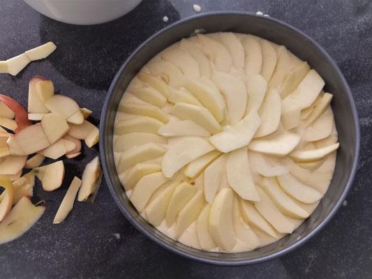 Der Kuchen kann nun in den Ofen. Foto: Franziska Craney/STA.F.F.