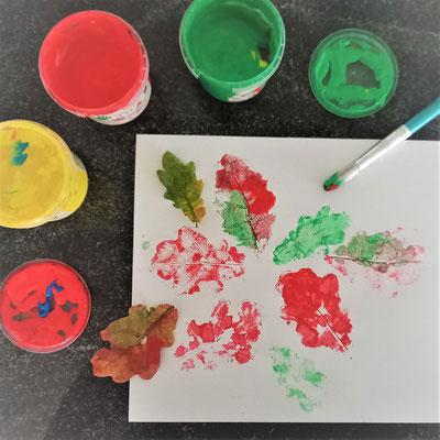 Der Blätterdruck macht auch schon kleineren Kindern Spaß. Foto: Franziska Craney/STA.F.F.